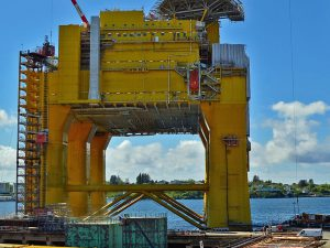 oil-rig-2069280_1920